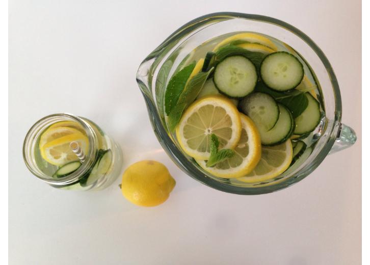detox water jug