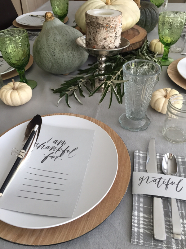 Thanksgiving table 2015-5