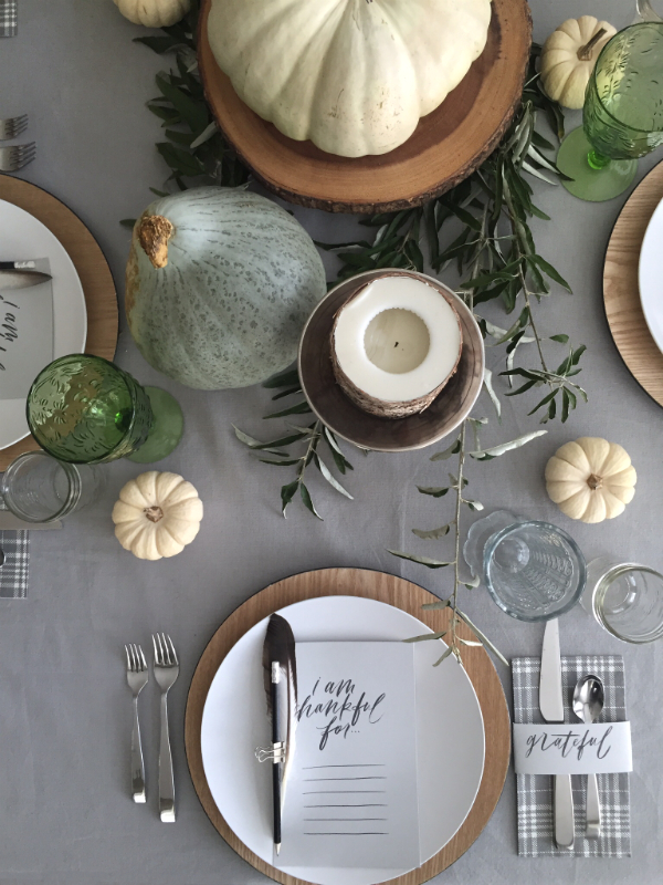 Thanksgiving table 2015-8