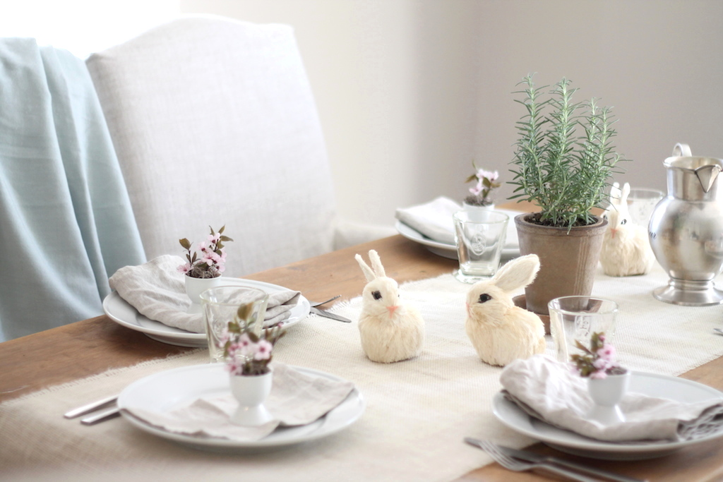 casual easter table
