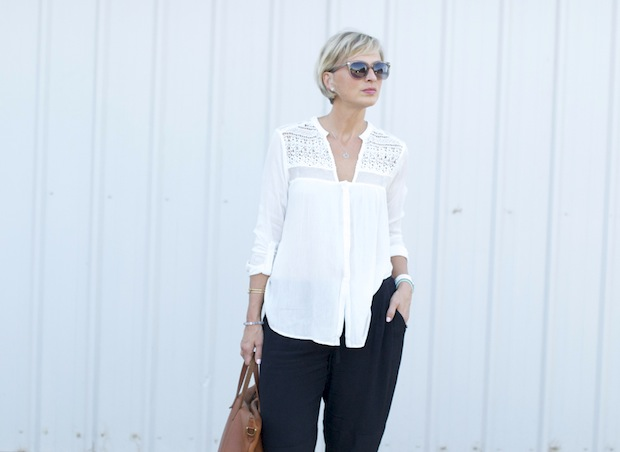 white crochet1a