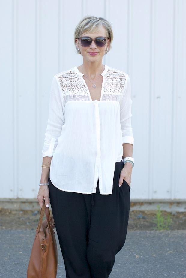 white crochet2